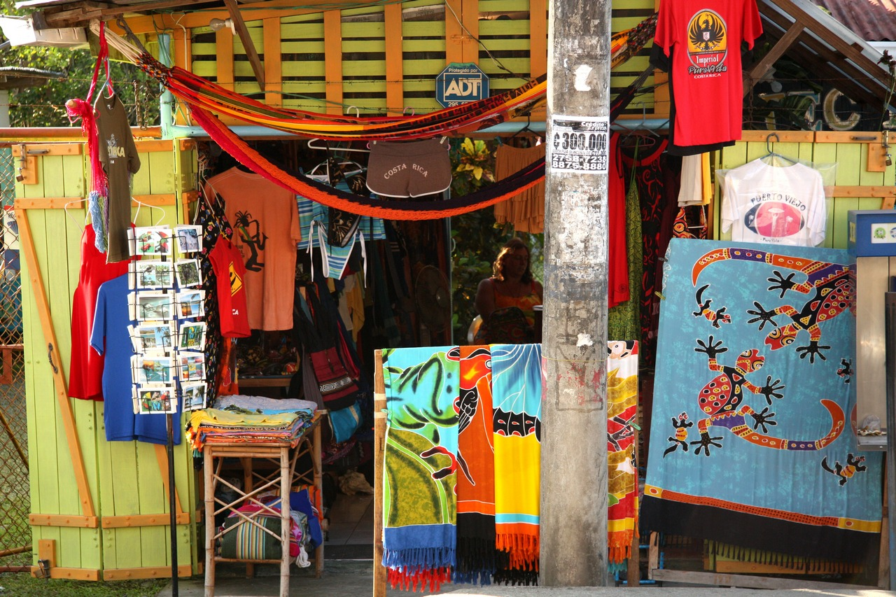 Colorful shopping in Puerto Viejo